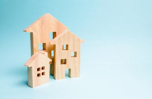 Выбираем между домом и квартирой: оценим все за и против