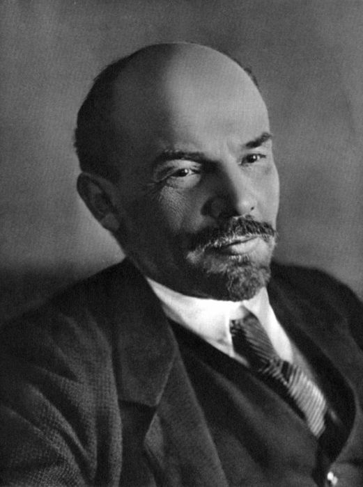 Где находится Ленин?