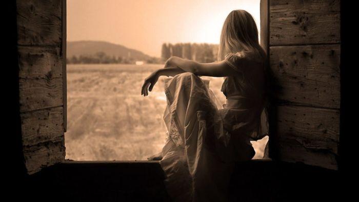 Ресничками, картинки одинокой женщины на телефон
