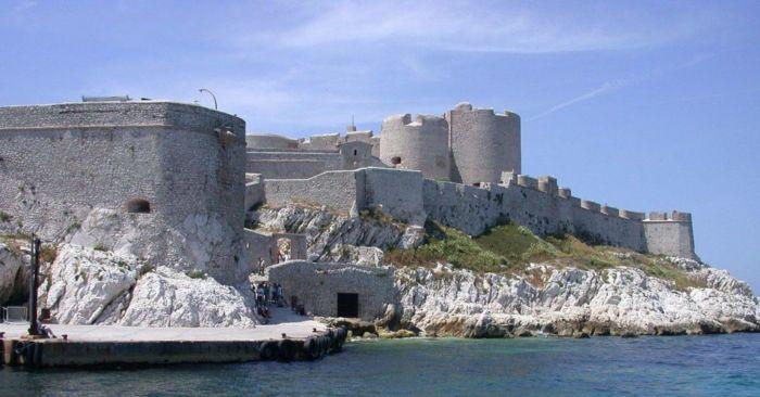 Где находится замок Иф
