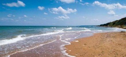 Где находится Азовское море?
