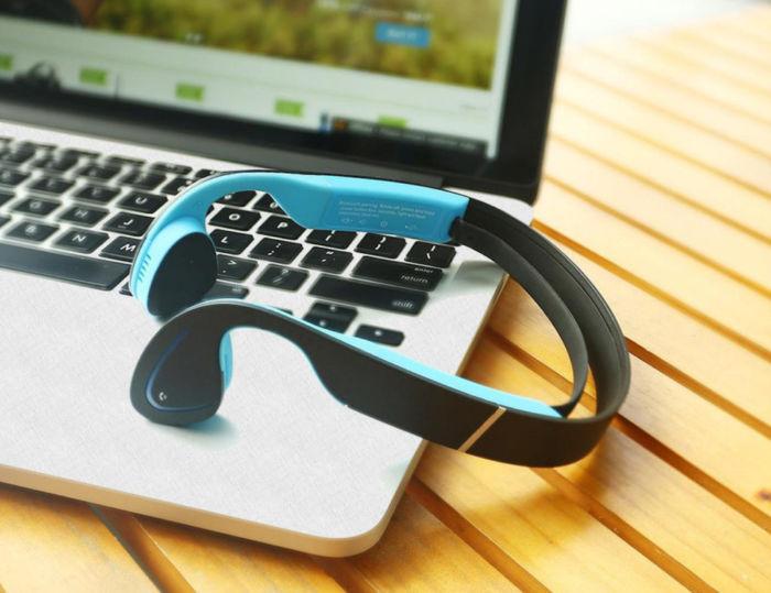 Как подключить к ноутбуку беспроводные наушники