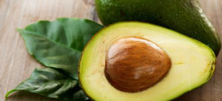 Как правильно есть авокадо в сыром виде