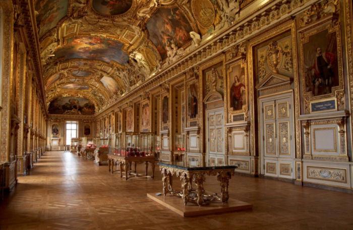 Как избежать толкотни при посещении музеев?