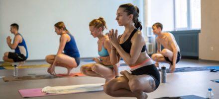 Бикрам йога – что это