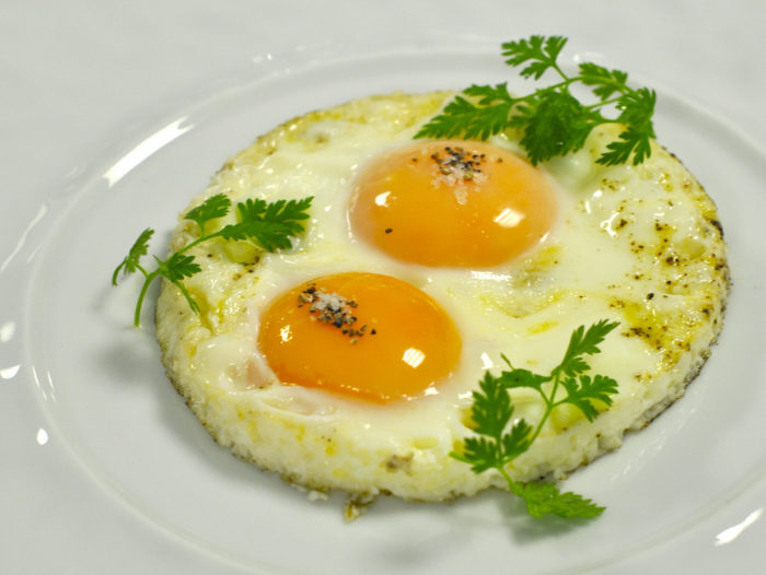 Как приготовить яйца в микроволновке