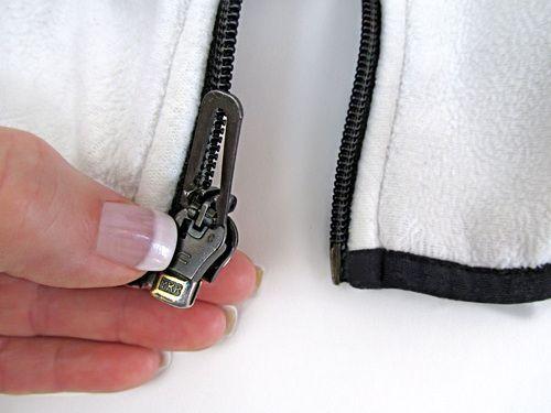 Как отремонтировать «молнию» на куртке у основания