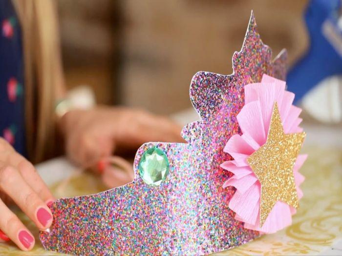 Как сделать из бумаги корону