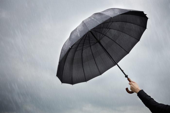 Основные виды поломок зонтов и их самостоятельный ремонт