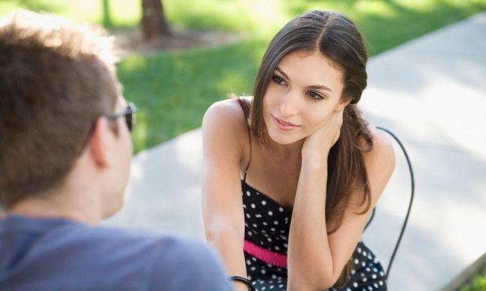 Как узнать, что ты нравишься девушке