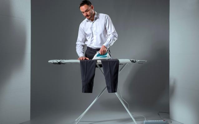 Как правильно гладить брюки со стрелками