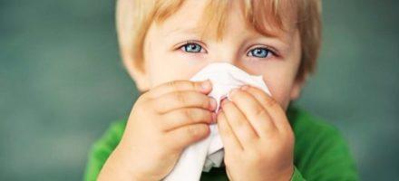 Чем лечить зеленые сопли у ребенка