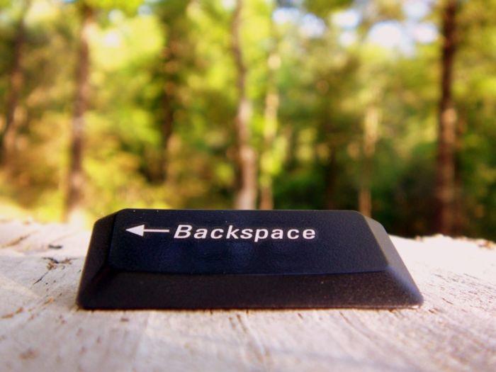 Где находится backspace на клавиатуре