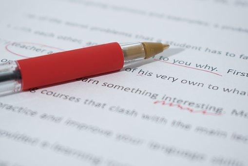 Как правильно писать – едет или едит