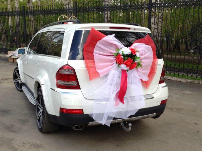 Как украсить автомобиль на свадьбу