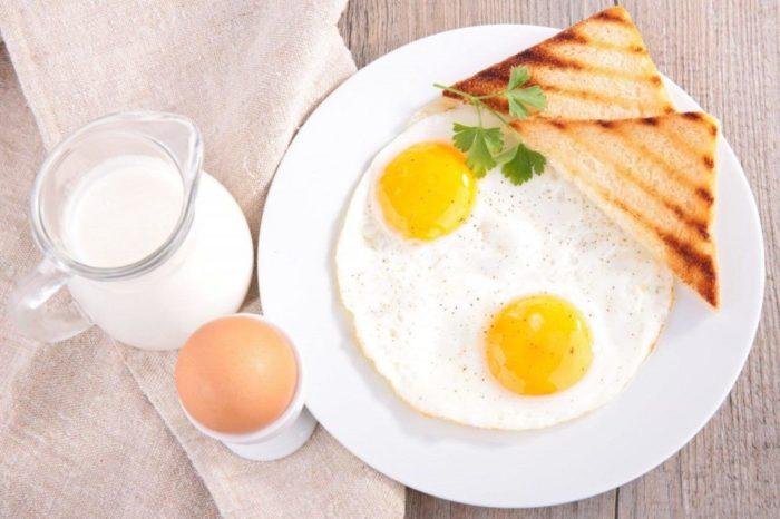 Как сделать яичницу