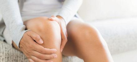 Хрустят колени — в чем причина?