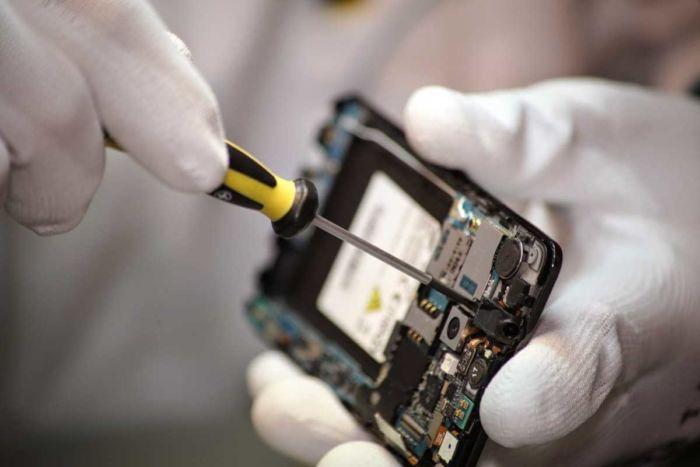 Как выбрать сервисный центр по ремонту сотовых телефонов