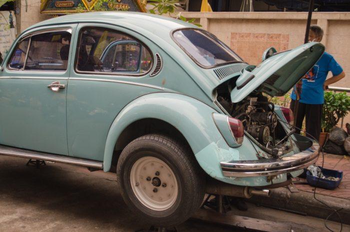 Как правильно зарядить аккумулятор автомобиля