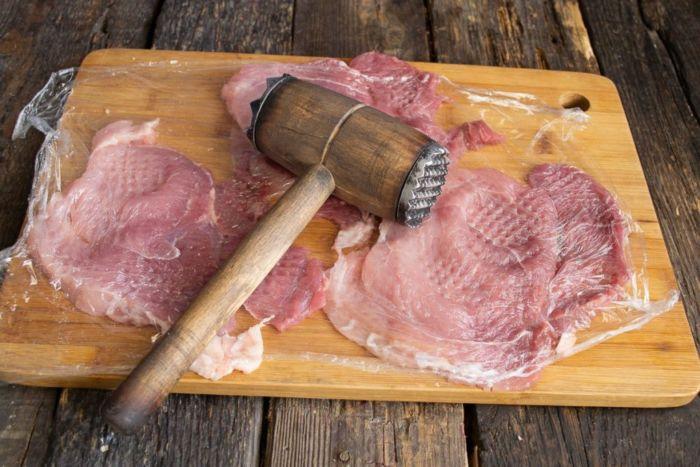 Как приготовить шницель из свинины