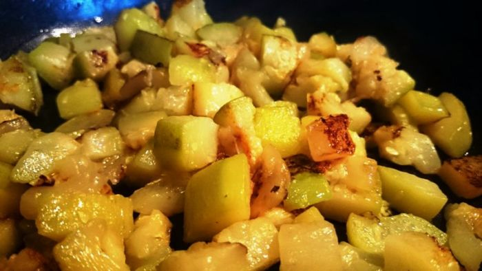 Приготовить кабачки вкусно на сковороде