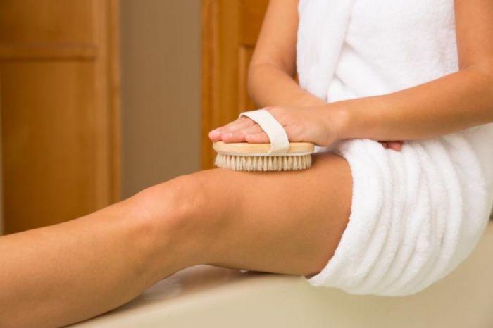 Как правильно делать сухой массаж щеткой