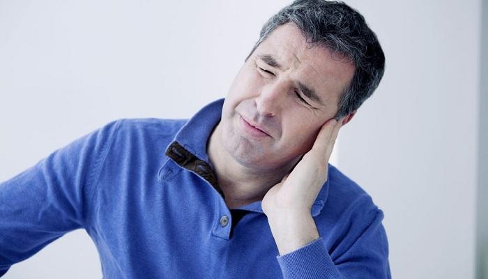 Что делать если вода попала в ухо